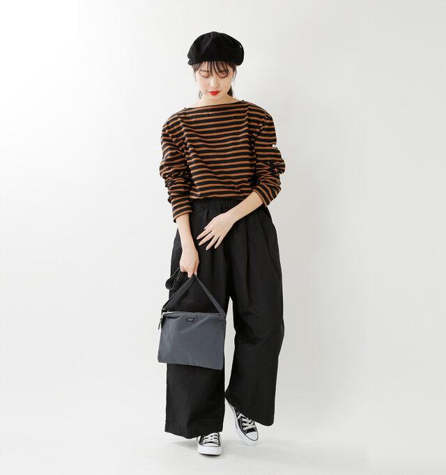 model kanae:167cm / 48kg color : black×camel / size : 6