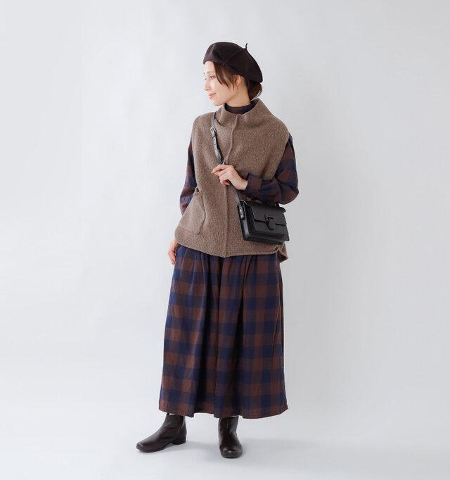 color : brown / size : 38  ウールよりも軽くて保温性が高く、さらに柔らかい素材感なので着ていても疲れにくいのが特徴です。