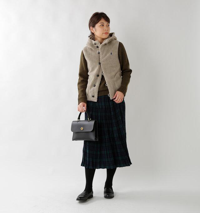 model hikari:165cm / 48kg color : taupe / size : 12