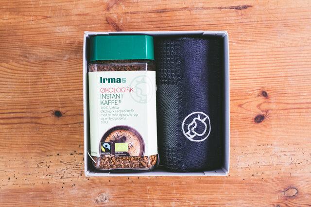 [セット内容] ・イヤマ インスタントコーヒー ボトル 1本 ・イヤマ オーガニックコットンキッチンタオル ブラック 1枚