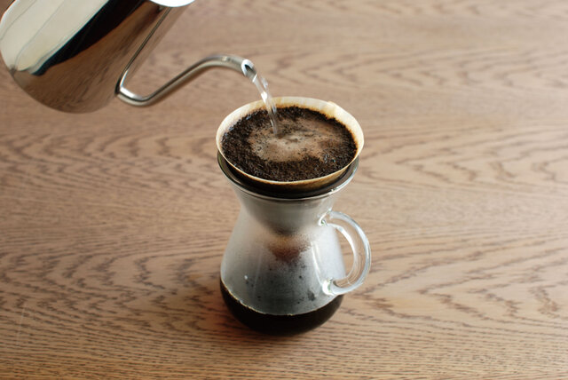 コーヒーの香りをたのしみながらハンドドリップする豊かな時間。 スローコーヒースタイルには、そんなひとときを演出してくれるアイテムがたくさんそろっています。