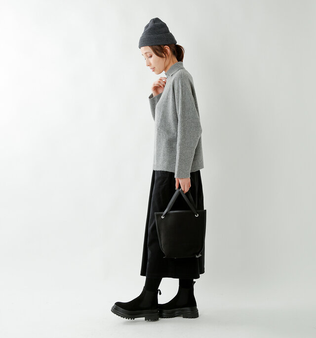 model yama:167cm / 49kg color : gray / size : F