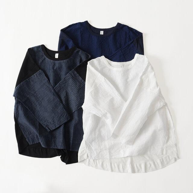 カラーは「off white」「navy」「black」の3色をご用意。 さりげない個性で、さまざまな着こなしを楽しめる優秀ブラウスです。