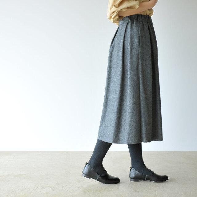 すっきり綺麗なローヒールタイプで、履き心地の良さはもちろん、シルエットの美しさもしっかり備えています。