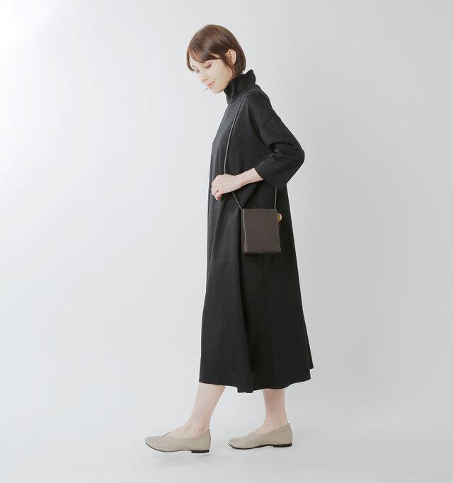 model yama:167cm / 49kg color : gray / size : 38(約24.0cm)