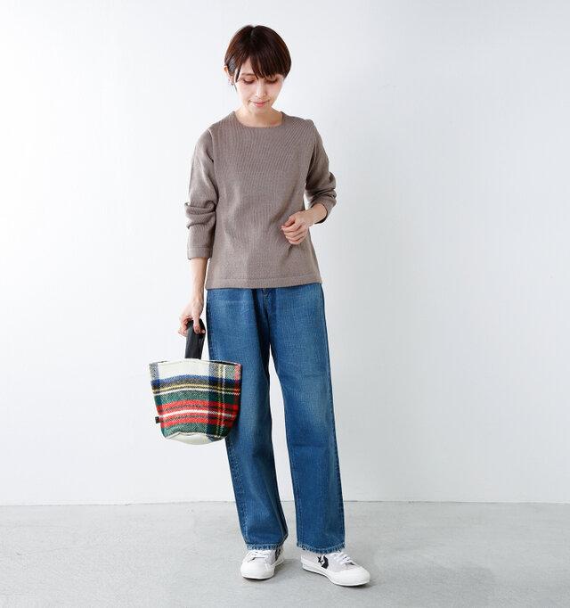 model yama:167cm / 49kg color : dress stewart / size : one
