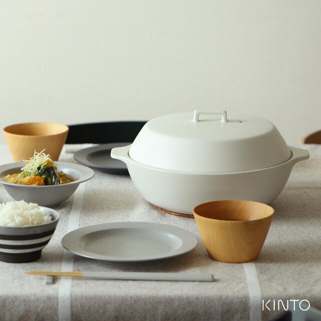 今までの土鍋とちょっと違う? 鍋料理に限らず、春・夏・秋・冬、季節を問わずに使える土鍋です。