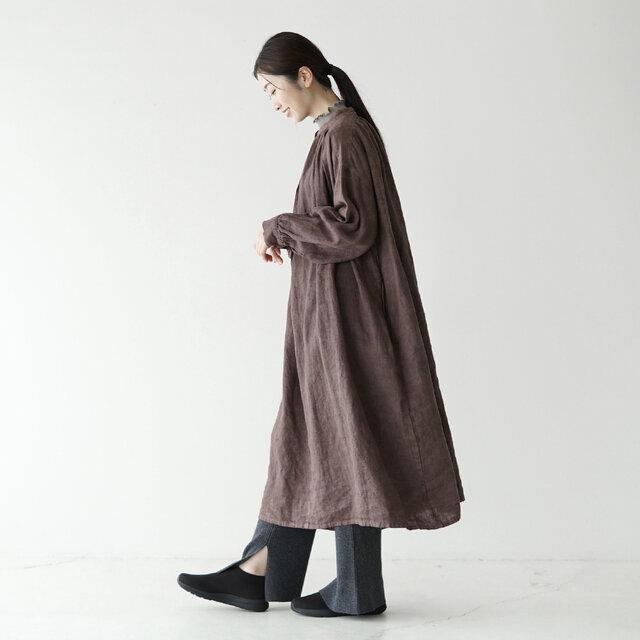 モデル:166cm / 47kg color : マッドブラック×TNFブラック/ size : 6(24.0cm)