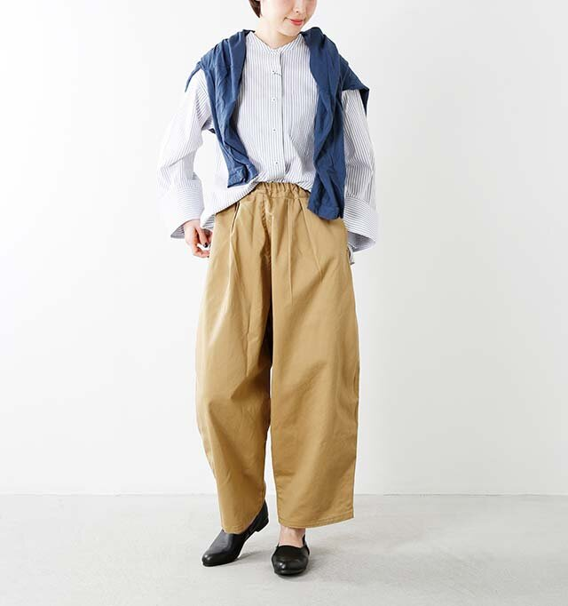 model yama:167cm / 49kg color : black / size : 24.0