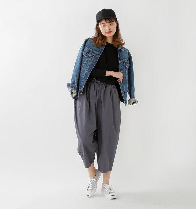 color : light gray / size : 5(24.0cm)  デニムジャケットを合わせたカジュアルなスタイルにはもちろん◎