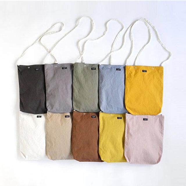 季節や用途・コーディネートに合わせて豊富なカラーバリエーションからお好みのお色をお選びください。