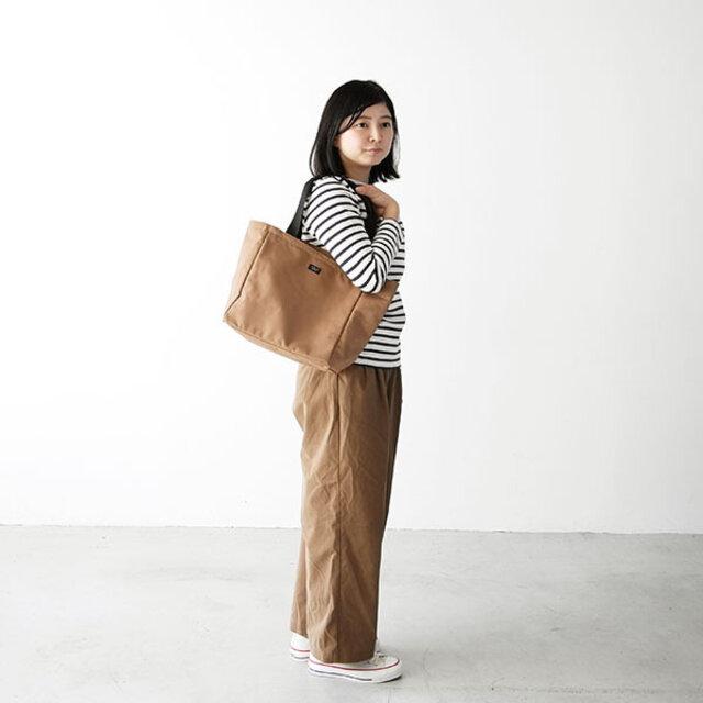 女性モデル : 157cm