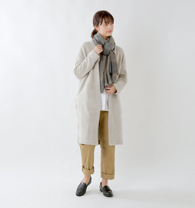 model kanae:167cm / 48kg color : brown check / size : F