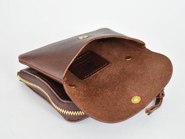 こちらの小さめの財布は、とにかくコンパクトなお財布がいい方、小銭入れや旅行用などサブのお財布として使いたい方にピッタリ!