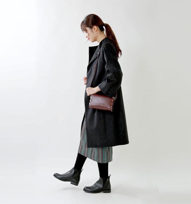 model kanae:167cm / 48kg color : negro / size : 38  低めのヒールなので長時間歩いても◎。ソックスやタイツをのぞかせてニュアンスをつけてみるのもいいですね。