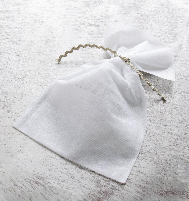 ブランドロゴの版が押された袋に入ってお届けしますので、プレゼントにも最適です。