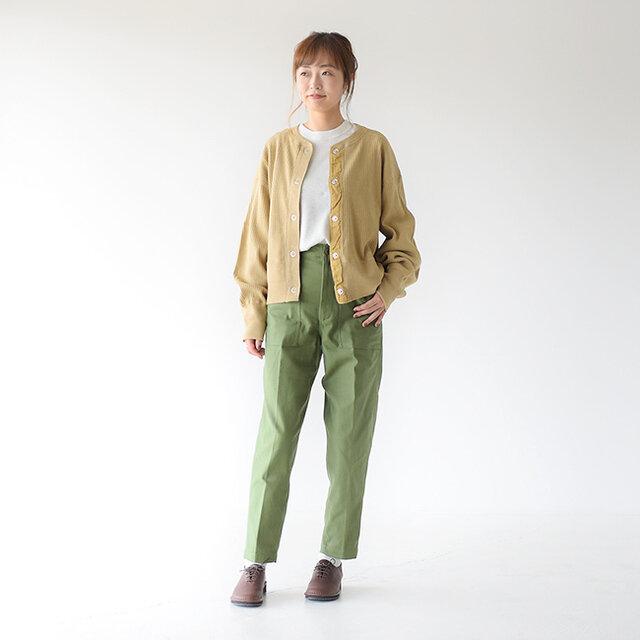 モデル:162cm / 43kg color : khaki / size : P0(XS)  ▼モデル着用感 普段着用サイズ: <TOPS>Sサイズ / <BOTTOMS>Sサイズ 全体的に程よいゆとりがあり穿きやすかったです。丈感もちょうど良いです。
