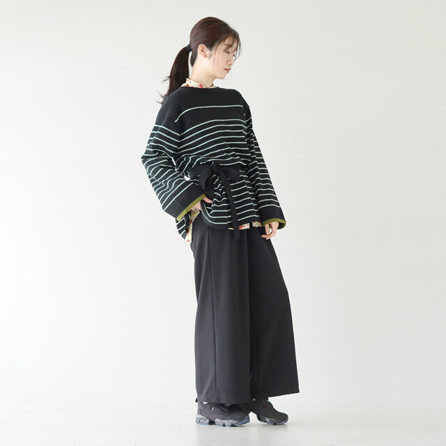 モデル:166cm / 47kg color : black / size : フリーサイズ