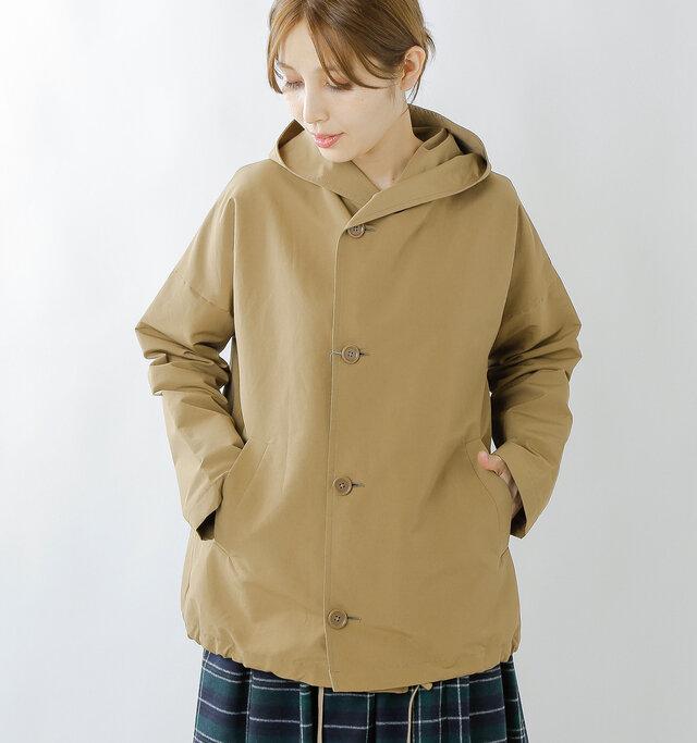 大きめに作られたオーバーサイズによって、着るだけでトレンド感たっぷり♪ 裾に向かってやや広がりを見せるテントシルエットが映えるポイントです。