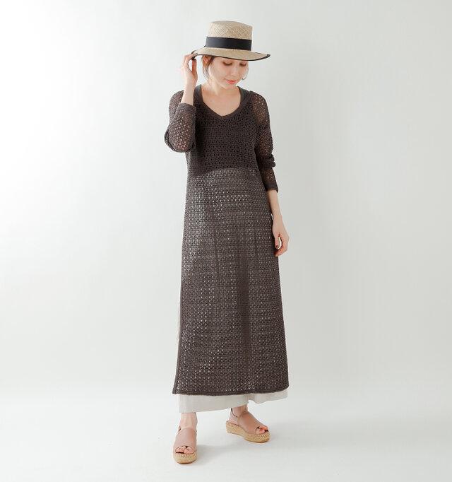 model yama:167cm / 49kg color : make up / size : 38  リゾート感あるサンダルで、夏コーデを楽しんで♪