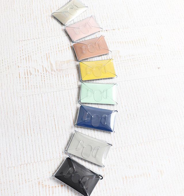 カラーは淡い色味からベーシックなものまで、全8種類をご用意しました。 贈り物としてもおすすめですよ。