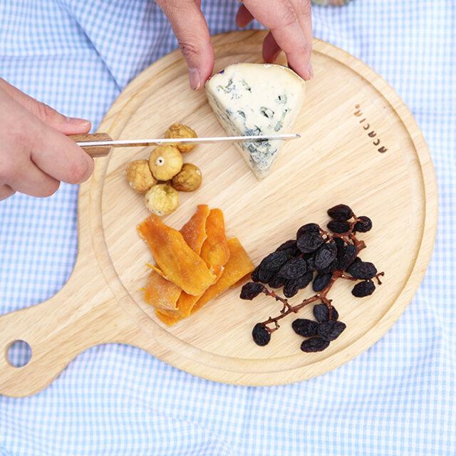 (S)  円部分は約23cmなので、カッティングボードとしても、お皿としても重宝される大きさです。