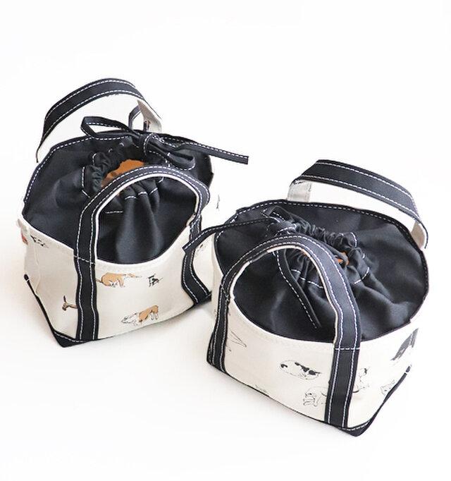 (19×H17×D14)  こちらはCD TOTE。財布や携帯、ポーチなど最低限の荷物が入るトートです。