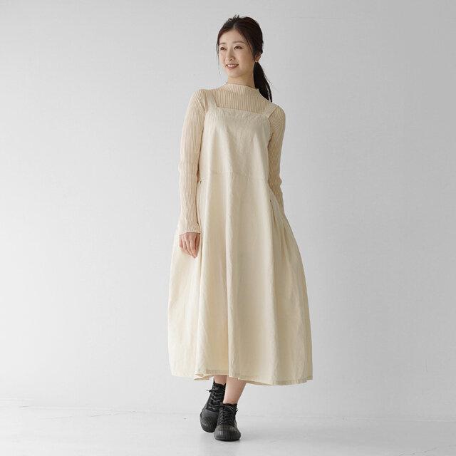 モデル:166cm / 47kg color : black / size : 23.0cm ------- 普段着用サイズ: 23.5cm 足幅/甲: 足幅狭め、甲低め