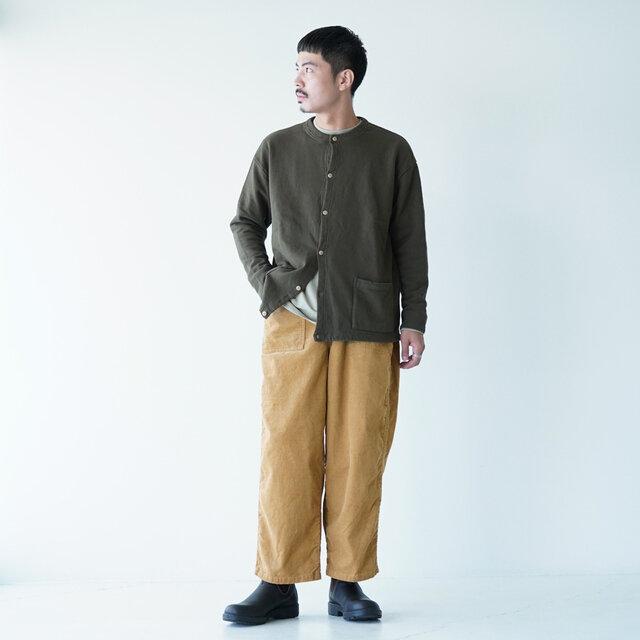 モデル:173cm / 58kg color : beige / size : 1(メンズS~M)