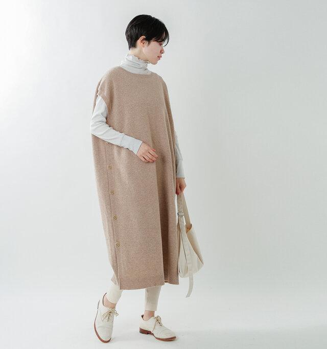 model saku:163cm / 43kg  color : light brown / size : F
