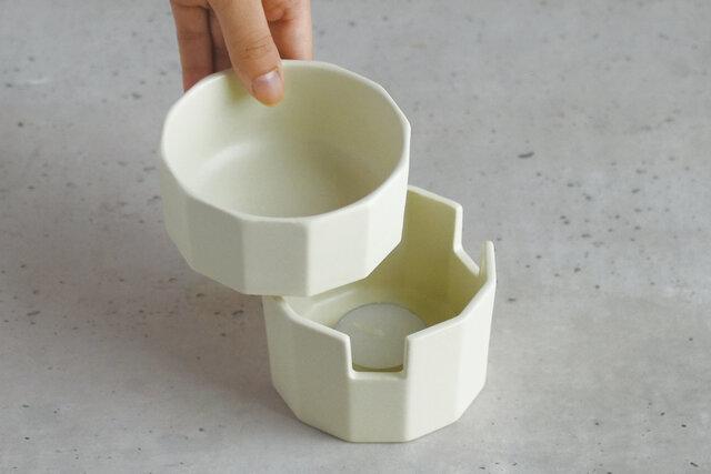 上のうつわを電子レンジやオーブンに入れて調理可能。内側は角を取ることで最後まで無駄なくディップすることができます。食洗機も使用可能なので、お手入れもカンタン。
