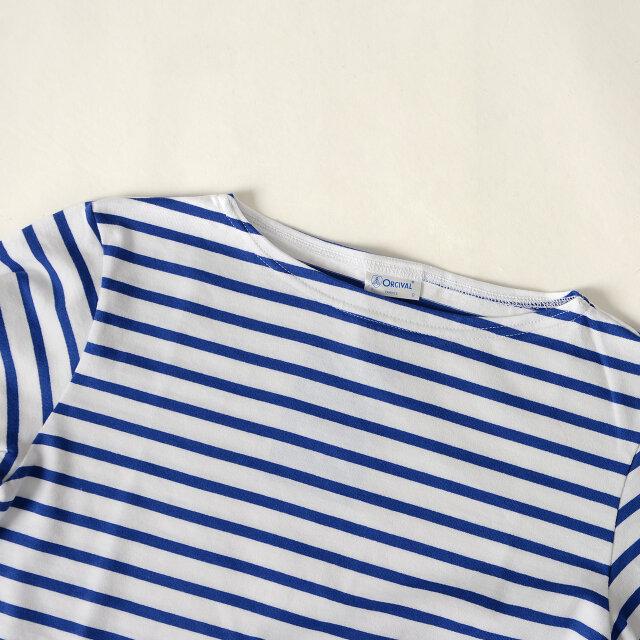 すっきりと横に開いたボートネック。 一枚ではもちろん、インナーにシャツやブラウスを重ねても可愛らしいです。