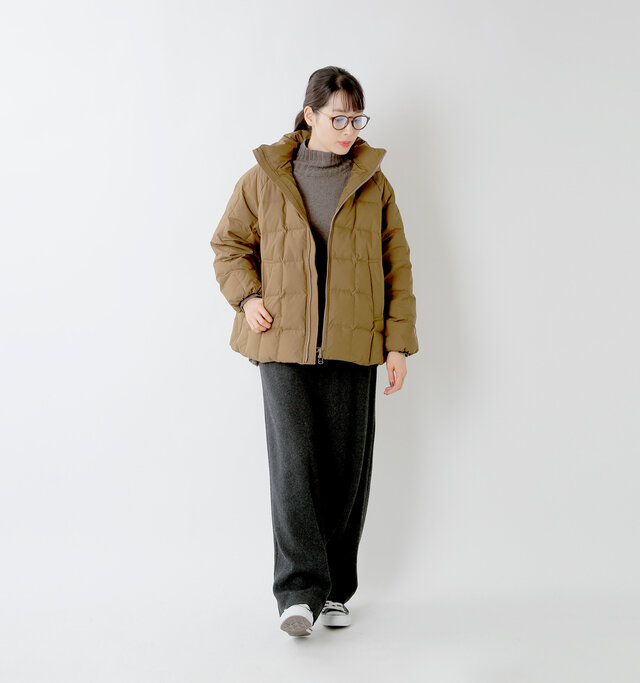 model mizuki:168cm / 50kg  color : dark khaki / size : 38
