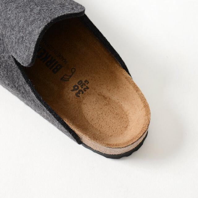 足にしっかりとフィットし、正しい姿勢をサポートするオリジナルのソフトフットベッド。 吸汗性の高いスエードのライニングを貼っているので、とてもやさしい履き心地です。