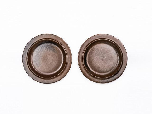 取り皿として使いやすい20cmサイズのプレートをご用意しました。