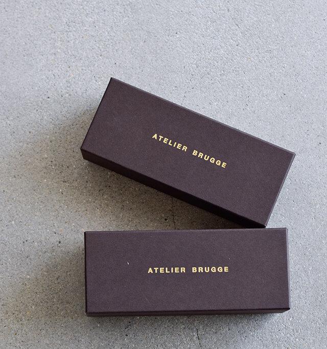 メガネとオリジナルクロスをケースに入れてお届け♪プレゼントにもぴったりなボックスですね。