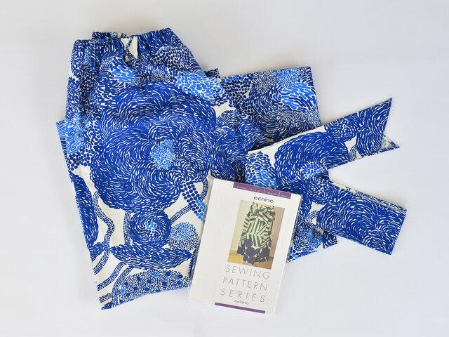 ちょっとしたスキマ時間に洋服作り♪MYNSTERI:ブルーの生地で製作しました。出来上がった時の感動で、愛着が湧いて長く大切に使いたくなりますね。