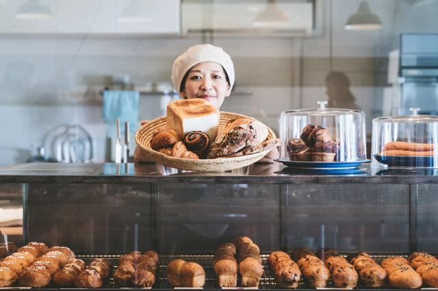 そんな人気店のパンを、オンラインでは特別に予約販売というかたちでお届けします!