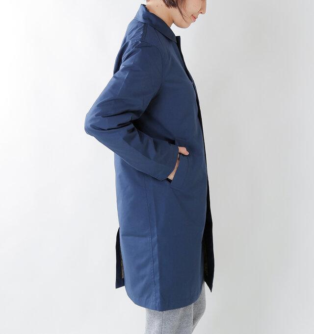 両サイドには大きなポケット付き。 お袖はゆったりと余裕があり、中に着込んでも動きやすくなっています。