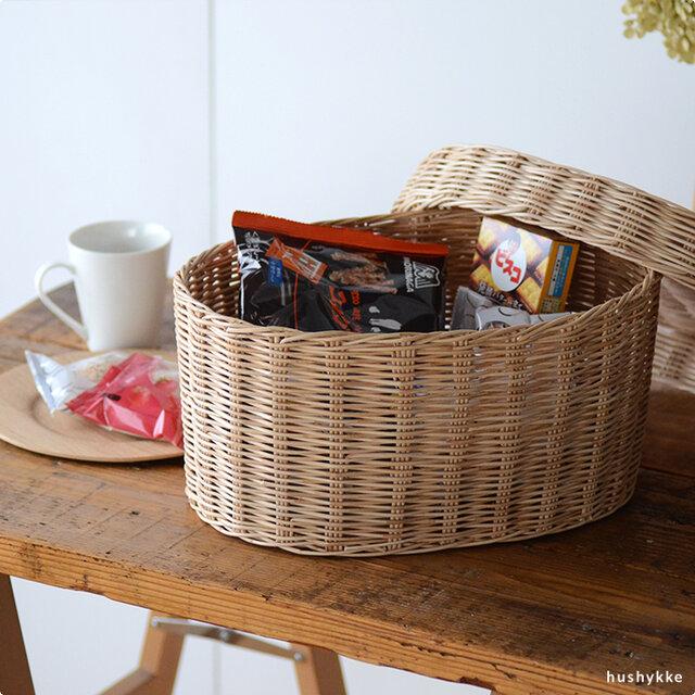 嵩張りがちなおやつやインスタント食品、乾物類などもまとめて収納しておけば使用する際にも便利です。