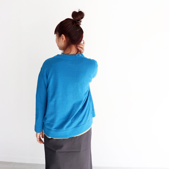 ウォッシャブルなリネン混素材を使用。 名前の通り、夏まで着用いただけるライトで清涼感のある素材感も魅力的な一着です。