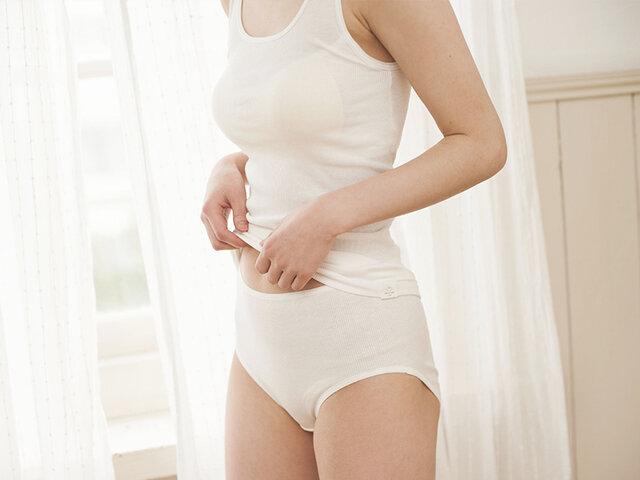 ※モデル着用カラー:ホワイト