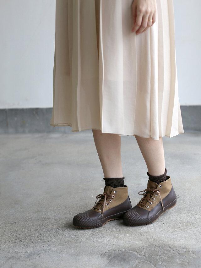 エアリーなスカートに合わせても。このミスマッチさがお洒落なんです。