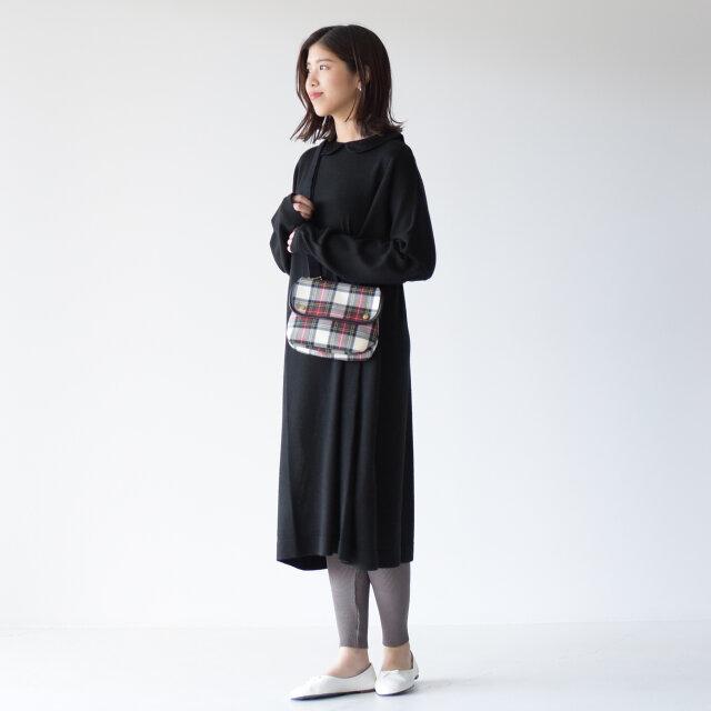 モデル: 157cm /47kg color:black(col.99) / size:フリーサイズ