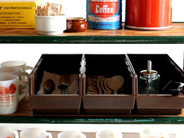 高さ11cmなので、オーガナイザーごと食器棚にすっきり収まりますよ。