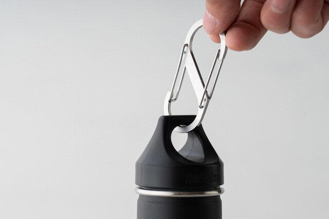 キャップは漏れ防止機能と携帯用ループが付いていています。
