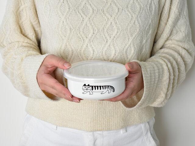 お漬物やお浸しなどの小鉢として、またお子さまや女性用のお弁当箱にもちょうどいいサイズです。
