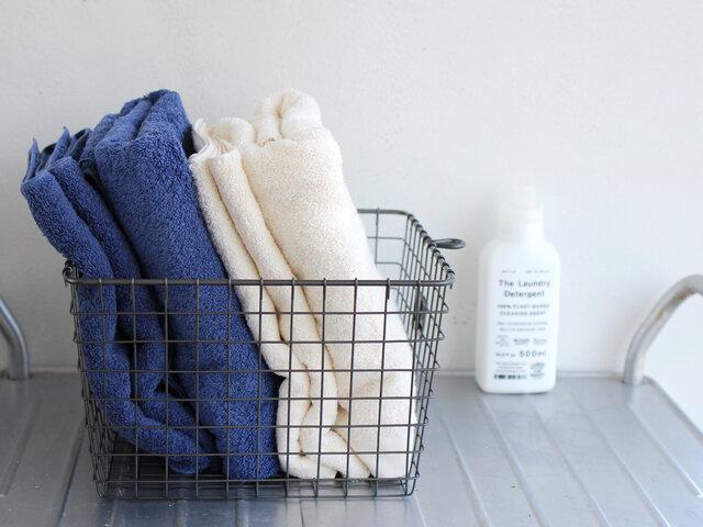 バスケットに入れて、バスルームに。お客様用として一式まとめておくのも素敵なおもてなしですね。