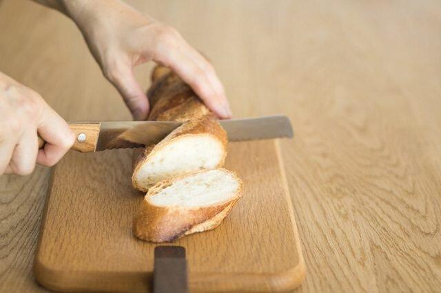 柔らかい食パンなどを薄く切る際もストレスなく美しく切れてほれぼれとするほど。プロからの評価が高いのも納得の逸品。