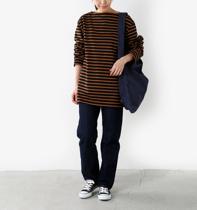 model yama:167cm / 49kg color : black×camel / size : 7